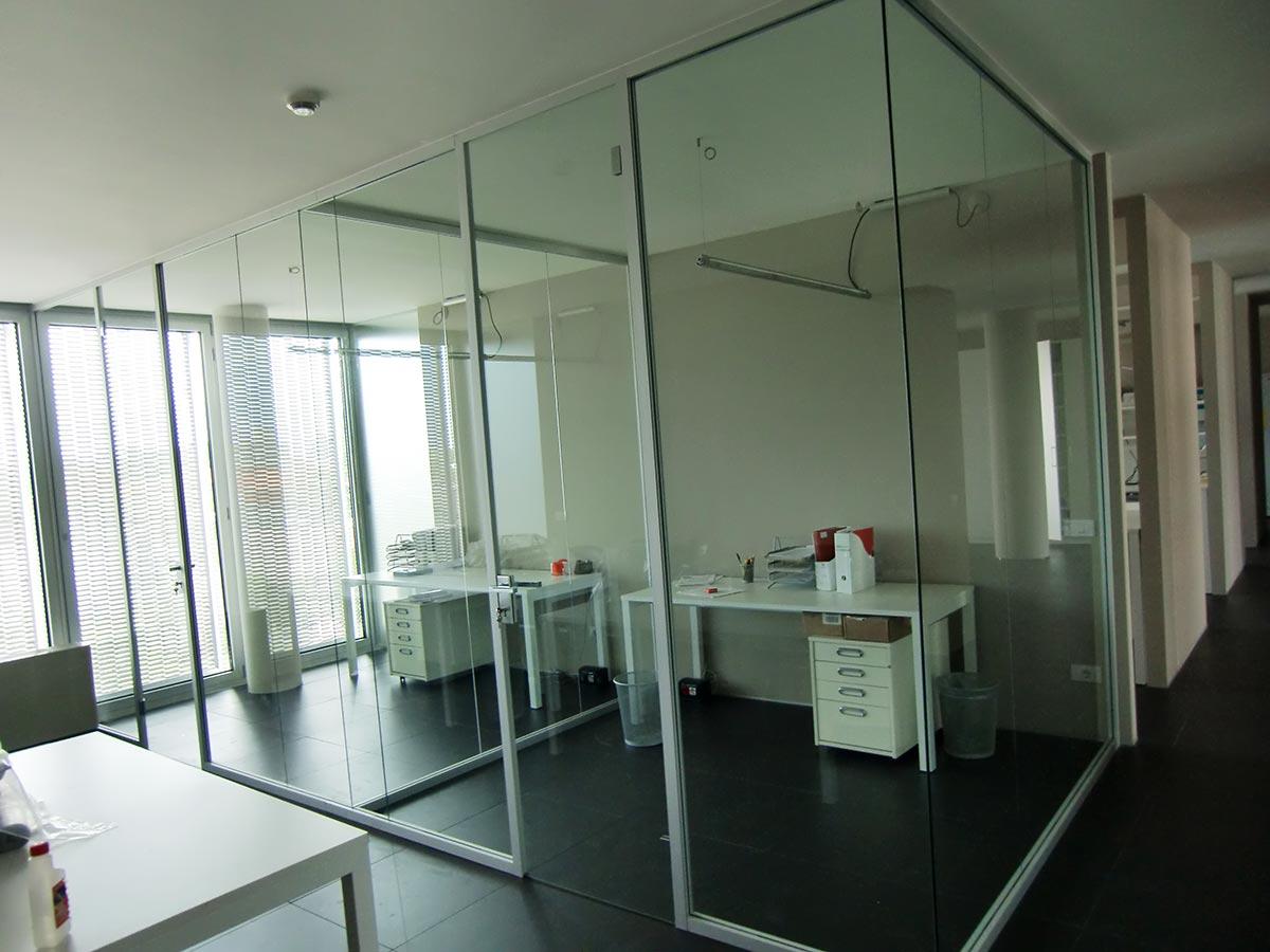 Pareti In Vetro Per Scale: Scala vetro rendering stampa pdf. Pareti in vetro per piscina ...